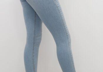 kalçayi-büyük-gösteren-pantolonlar